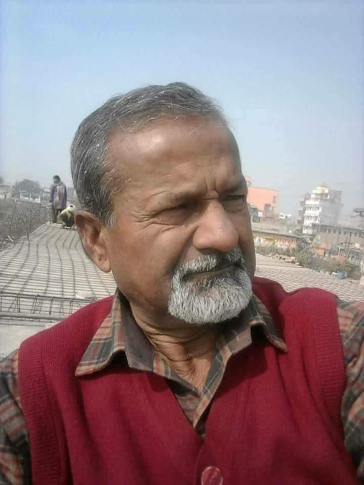 नेकपा एमालेका केन्द्रिय सदस्य रामचन्द्र साह पार्टीले दिने सबै सुविधा लिन चाहने लोभि नेता हुन ।