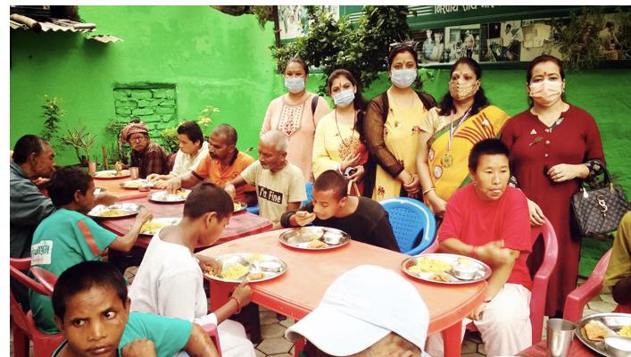 नारायणी अस्पताल लगायत विभिन्न स्थानहरुमा लायन्स क्लबद्वारा खाना खुवाउने कार्यक्रम सम्पन्न।