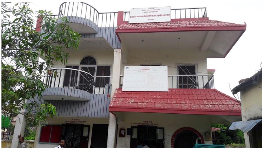 विरगंज यातायात कार्यालयमा दशैं लाग्यो, लाइसेन्स खुल्यो, दलालहरु मालामाल।