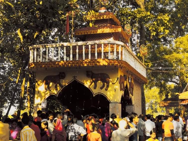 रक्षा बन्धनको अवसरमा विश्व प्रसिद्ध भगवती श्री गढीमाई मन्दिरमा भक्तजनको घुईचो।